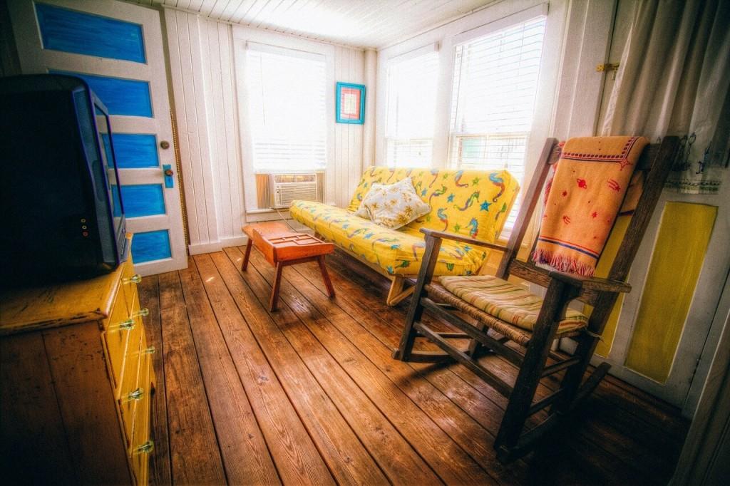 krāsaina dzīvojamā istaba - look for smile