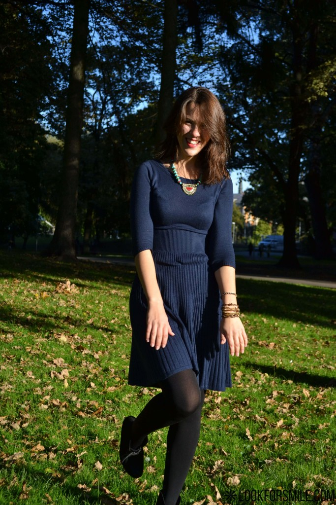 blue dress, red and tirqoise necklase - blog - Lookforsmile.com