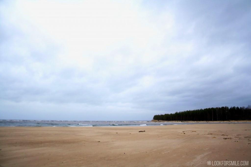 Baltic sea, beach, Latvia travel, hiking - blog - Lookforsmile.com